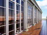 панорамные окна в окружении колонн