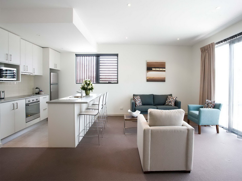 Comfort Modern Stile White Apartment