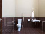 туалет для маломобильных групп населения